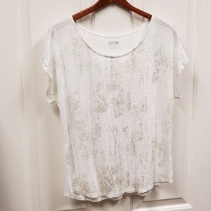 Apt. 9 white rayon tee with gold accents....sz M